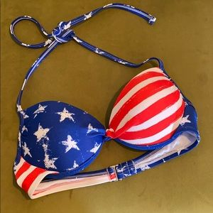 🎉 5 for $25 🎉 American flag bikini top